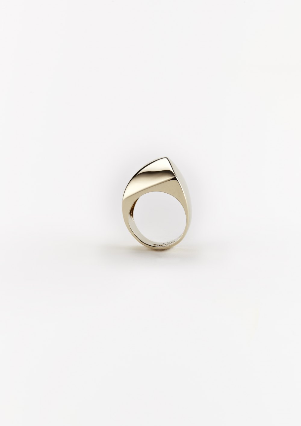 golden stone collection stone 27 sculptural diamond ring in gold silver hand polished  shine xeniabousjewellery